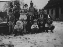 Fasching 1968 - Jüngere und ältere Gruppe